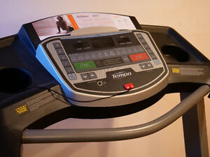 Tapis roulant inclinable // Tempo 611T // inclining Treadmill