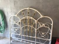 Bed head board and foot board in metal for queen bed