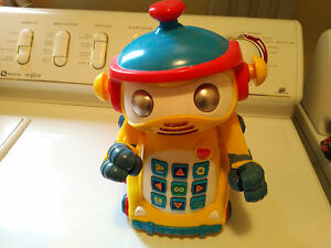 PROGRAMABLE ROBOT TOY