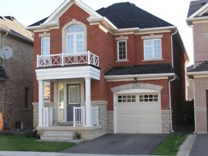 4BR DETACHED HOUSE FOR RENT IN OAKVILLE!!
