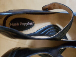HUSHPUPPIES WOMAN SIZE7 LEATHER SHOES 20DOLLARS