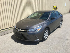 2017 TOYOTA CAMRY LE *** 24,000KM *** $18,395