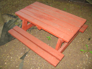 Toddler Picnic Table London Ontario image 1