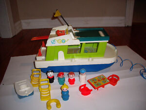 FISHER PRICE HOUSEBOAT