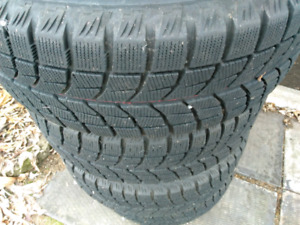215/60R15 Blizzak Pneus hiver winter tires