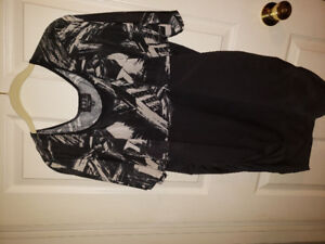 Size 2x rouched stretch shirt like new