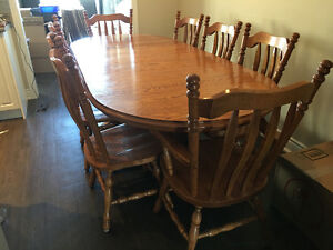 Solid Oak Dining Table / Buffet & Hutch