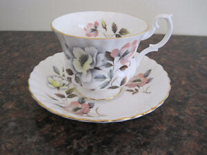 Royal Albert Tea Cup/ Saucer Sets (Page 2) Kitchener / Waterloo Kitchener Area image 6