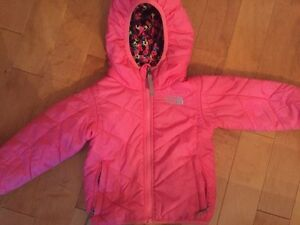 Fully reversible 2T The North Face fall/ spring coat