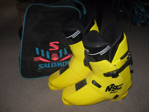 Nordica N995 Racing Ski Boots w/bag (Size 27.5)