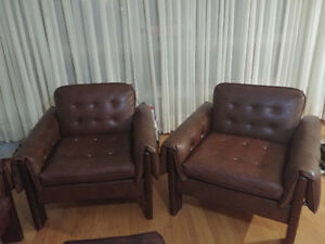 LIVING ROOM FURNITURE FOR SALE - 1 COUCH 2 CHAIRS