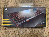 Corsair K70 Mechanical Gaming Keyboard Cherry MX Blue Switches