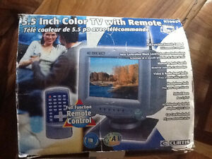 "5.5"" color tv with remote Curtis, 12 V for car or boat use"