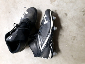 Lightly uses football cleats