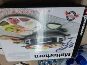 MATTERHORN  8 PERSON OVAL RACLETTE PARTY GRILL