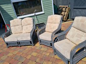 Wicker seating set