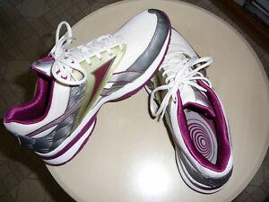 REEBOCK Easytone athletic shoes sz 10