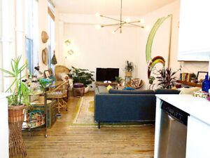 Boho-chic, 700 sq ft hard loft in Riverside, East-end