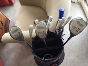 Mens RH clubs with bag