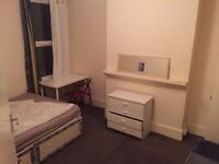 Huge double room for one person ...£120 pw(bills inc)