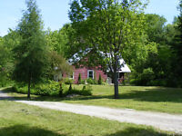 Cosy country home with large barn on 7 acres with stream