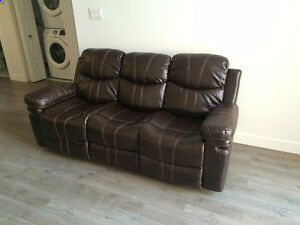 Sofa 3 places en cuir inclinable garantie jusqu'en mai 2017