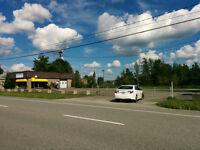 A LOUER Blvd Bourque - Batisse et terrain commercial