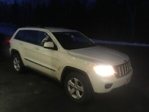 2011 Jeep Grand Cherokee Leather REDUCED!