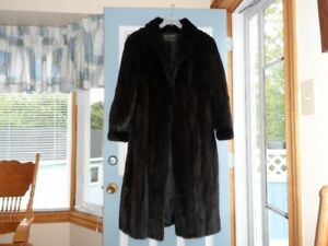 new XL Dark Cord Cut Mink Coat in mint condition (real Mink)