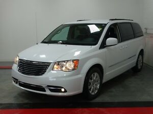 2016 Chrysler Town  Country Touring   - UCONNECT - Bucket Seats