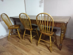 Antique Harvest Table & Chairs