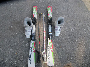 kids ski pakage with boots and poles