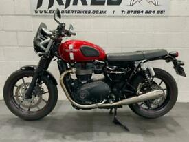 Triumph Bonneville Street Twin Excellent condition with FSH & Lots of Extras