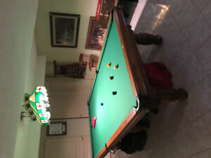 Dufferin 5 x 10 ft oak snooker table. Immaculate condition