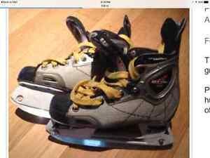 $25 Vector 4.0 size youth 2.5 hockey skates