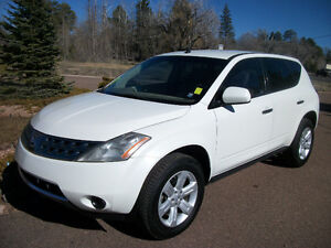2007 Nissan Murano loaded with leather, certified.