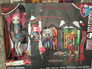 New! Monster High circus scaregrounds set with doll Kitchener / Waterloo Kitchener Area image 1
