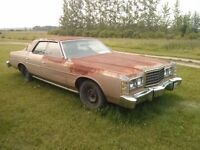 1977 Ford Galaxie - 351M/400 Cleveland engine