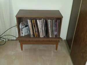 VINYL RECORDS CASE WITH RECORDS VARIOUS ARTISTS