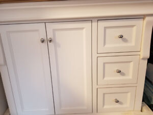 White 37-inch bathroom vanity with combined countertop and sink