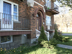 Great Deal! Large 4 1/2. New Renovation, Lachine