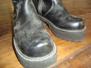 High Zip-up Black Leather Boots
