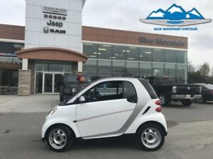 2012 smart fortwo pure  FUEL SAVING MICRO MACHINE! LOCAL TRADE!