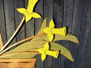 "Wooden Folk Art by Theodore Degroot ""Country Daffodils"" 1970's Stratford Kitchener Area image 4"