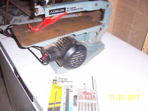 DELTA 15 INCH SCROLL SAW WITH EXTRA BLADES