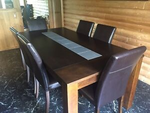 Moving Sale: kitchen dining room table and chairs