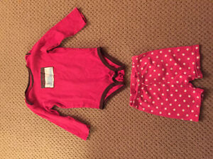One piece long sleeves baby top and shorts West Island Greater Montréal image 1