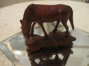 CLASSY OLD VINTAGE HAND-CARVED SOLID WOOD GRAZING HORSE