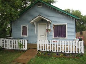 1908 6th Ave E Starter Home for Sale!
