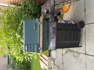 BBQ GRILL 2 BURNERS with SIDE BURNER and PROPANE TANK